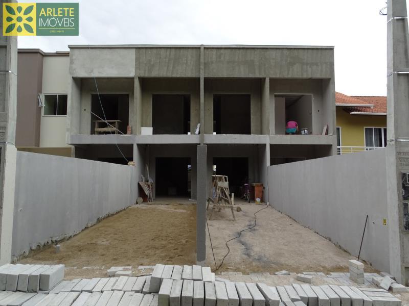 Casa Codigo 1721 a Venda no bairro-Vila Nova na cidade de Porto Belo