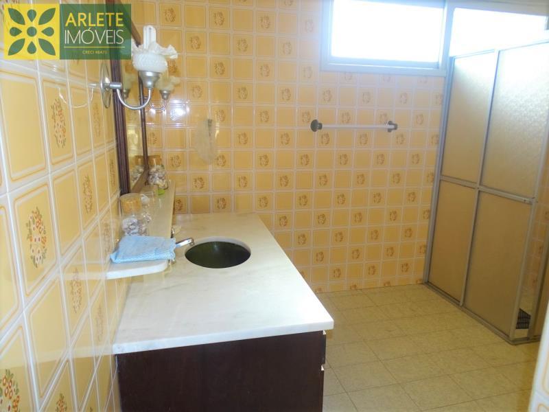 29 - banheiro imóvel locação porto belo