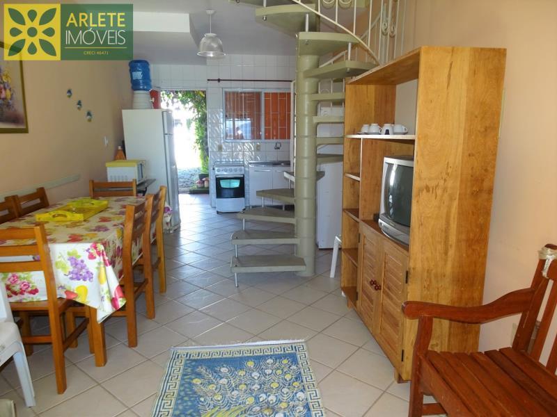 7 - sala de estar e cozinha imóvel locação porto belo