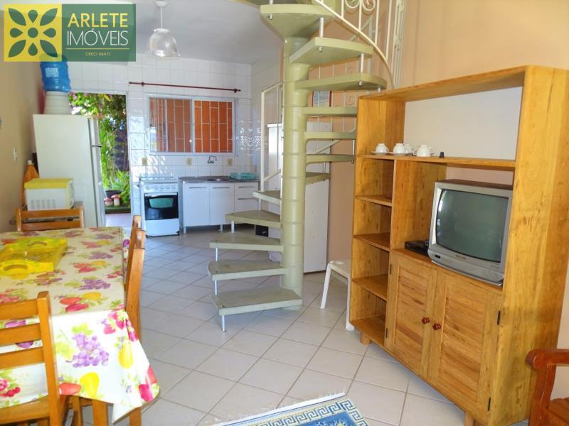 8 - sala de estar e cozinha imóvel locação porto belo