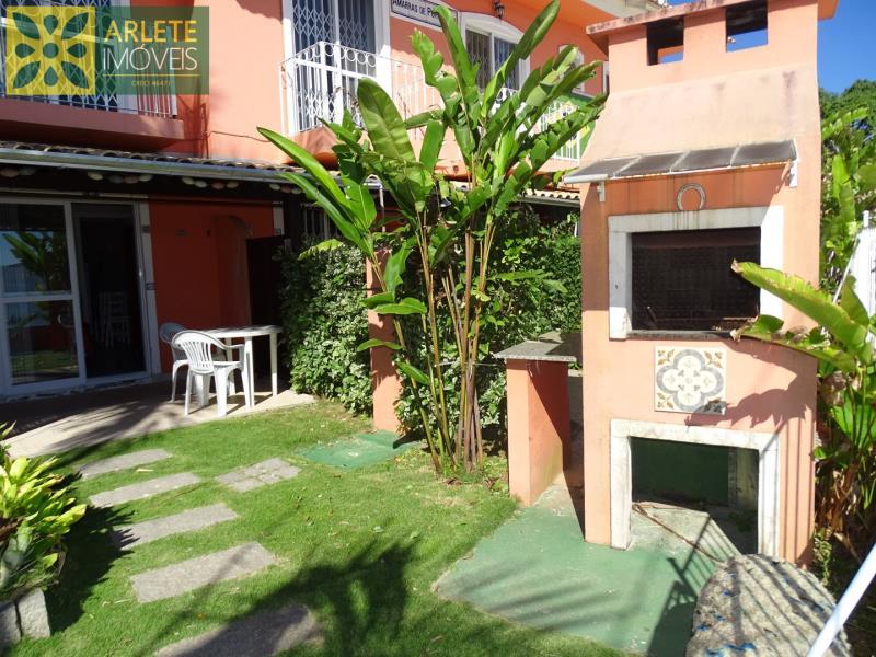 14 - área externa com churrasqueira apartamento locação porto belo