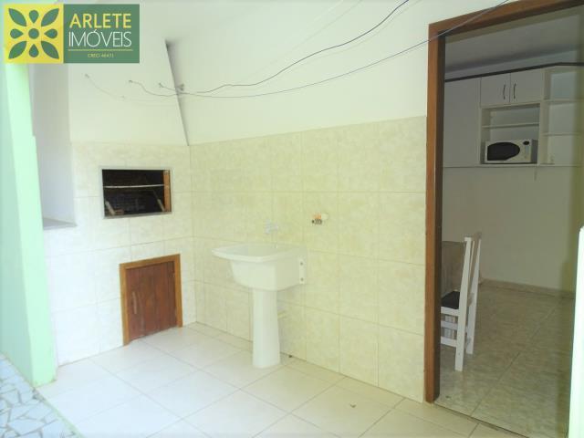 12 - área externa e churrasqueira residencial imóvel locação porto belo