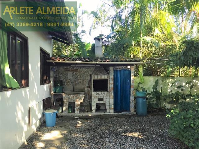 4 - área de churrasqueira e serviço imóvel locação porto belo