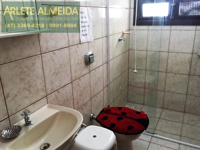 10 - banheiro casa locação porto belo