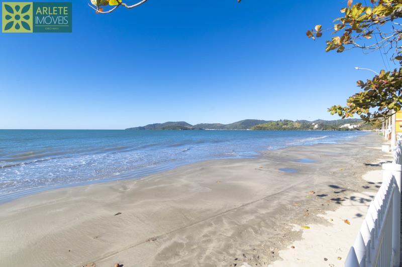 29 - praia casa locação beira mar perequê