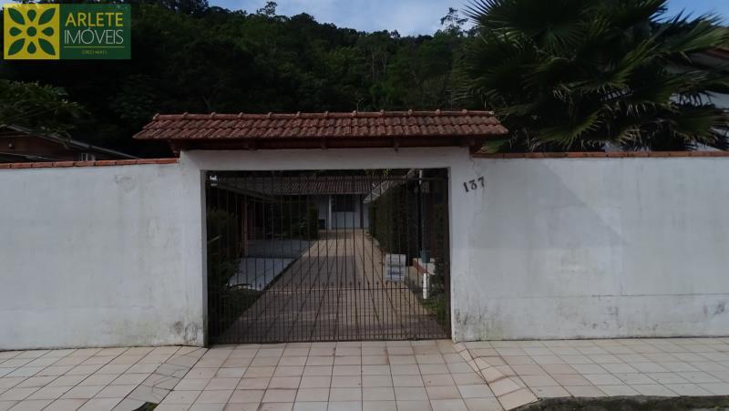 Casa Codigo 120 para Temporada no bairro Centro na cidade de Porto Belo