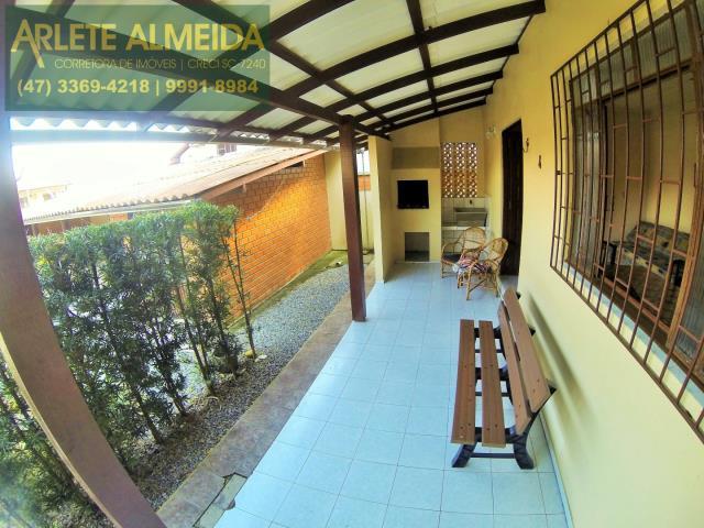 Casa Codigo 155 para Temporada no bairro Centro na cidade de Porto Belo