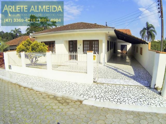Casa Codigo 117 para Temporada no bairro Centro na cidade de Porto Belo
