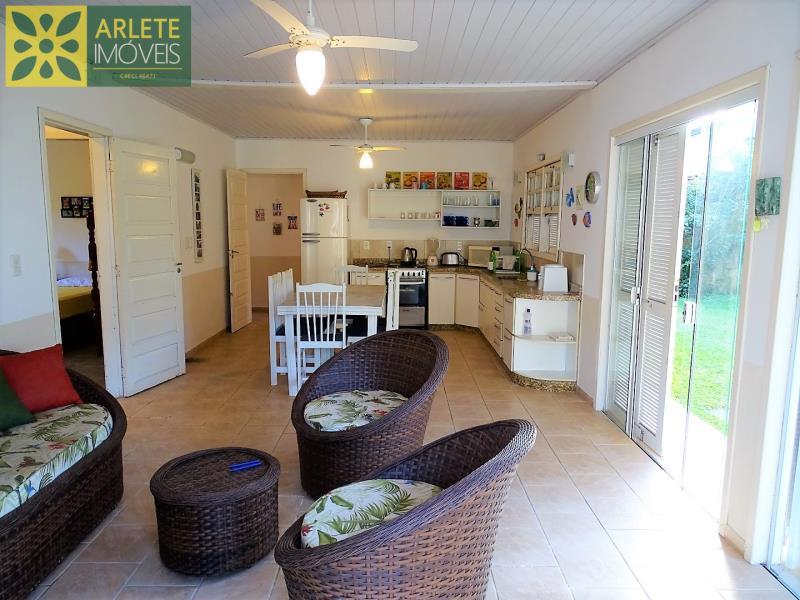 14 - sala de estar e cozinha imóvel locação porto belo