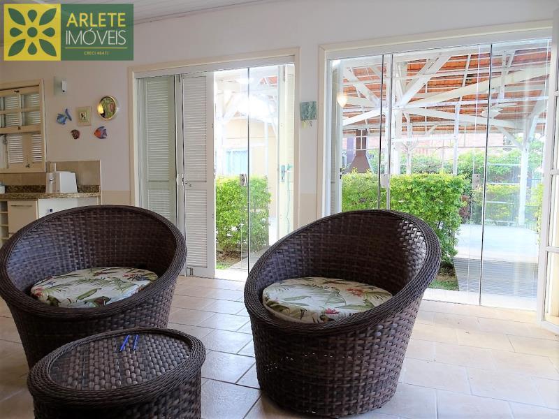 15 - sala de estar com vista para área de churrasqueira imóvel locação porto belo