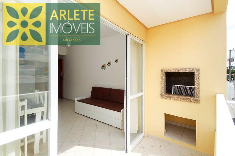 Apartamento Codigo 328 para Temporada no bairro Centro na cidade de Bombinhas