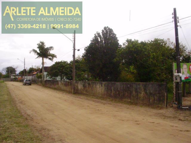 19 - 54M DE FRENTE PARA RUA PRIMOR