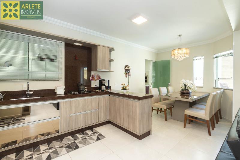 17 - cozinha casa com piscina para aluguel em Bombinhas