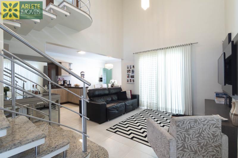 20 - sala de estar casa com piscina para aluguel em Bombinhas