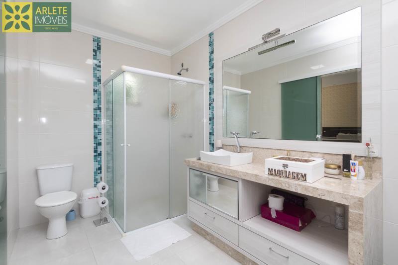 32 - banheiro suíte casa com piscina para aluguel em Bombinhas