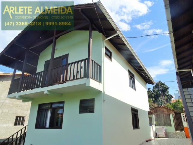 Casa Codigo 336 para Temporada no bairro Centro na cidade de Bombinhas