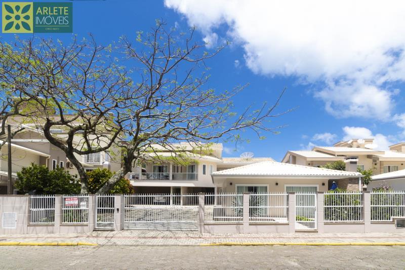 Casa Codigo 310 para Temporada no bairro Centro na cidade de Bombinhas