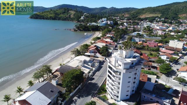 Apartamento Codigo 216 para Temporada no bairro Perequê na cidade de Porto Belo