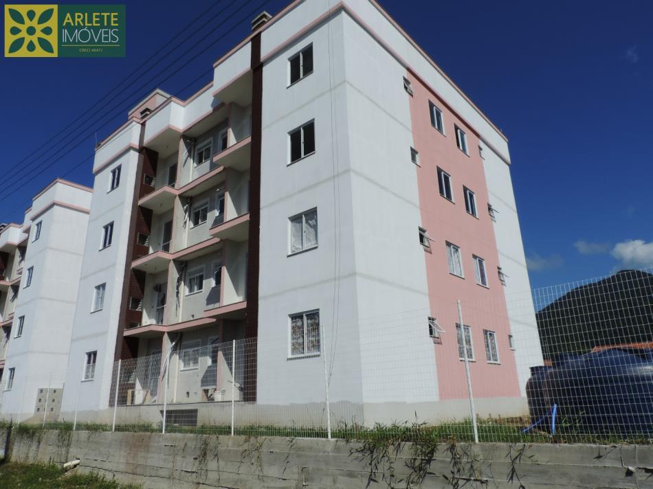 22 - vista da rua residencial boulevard a venda porto belo