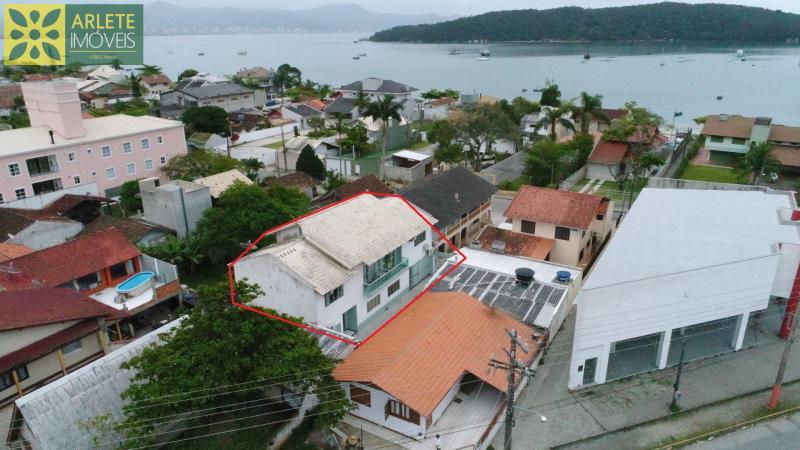 Casa Codigo 1440 a Venda no bairro-Centro na cidade de Porto Belo