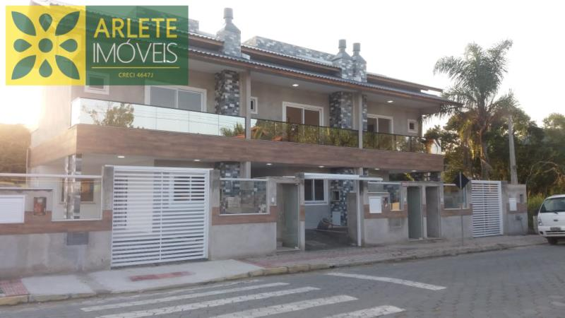 Casa Codigo 1550 a Venda no bairro-Mariscal na cidade de Bombinhas