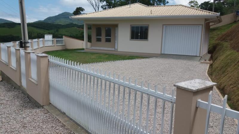 Casa-Código-1225-para-Alugar--no-bairro-Santa Catarina-na-cidade-de-Biguaçu