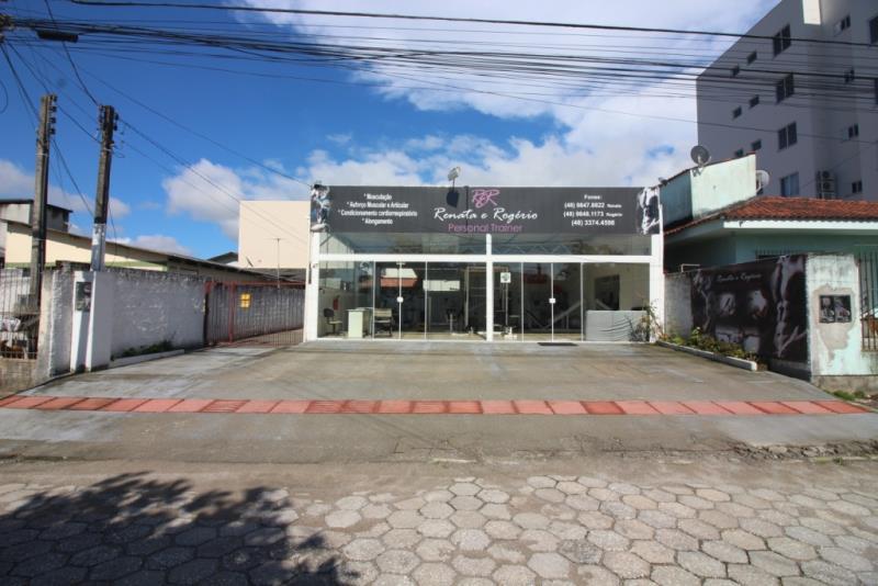 Casa - Código 586 Imóvel a Venda no bairro Jardim das Palmeiras na cidade de Palhoça
