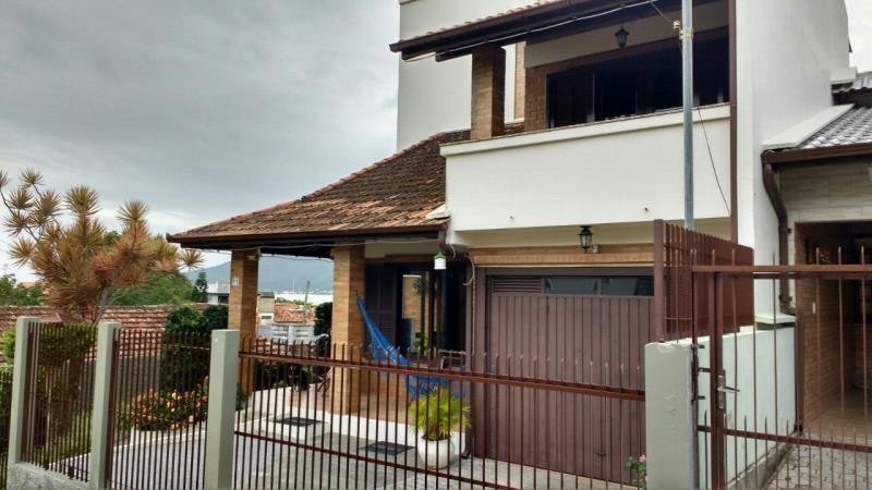 Casa - Código 645 Imóvel a Venda no bairro Centro na cidade de Governador Celso Ramos