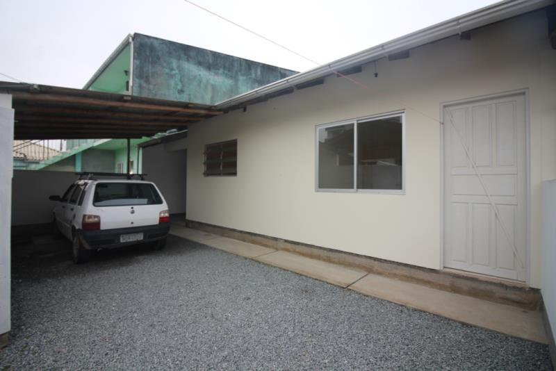 Casa-Codigo-646-para-Alugar--no-bairro-Ponte do Imaruim-na-cidade-de-Palhoça