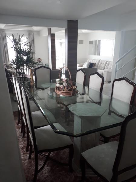 Sala de jantar e Sala de Estar em segunda perspecitva