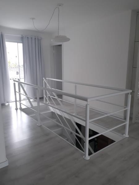 Escadaria com parapeito
