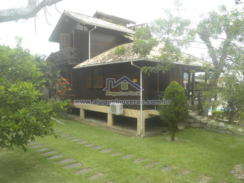 Casa Codigo 3051 para temporada no bairro Ponta das  Canas na cidade de Florianópolis Condominio