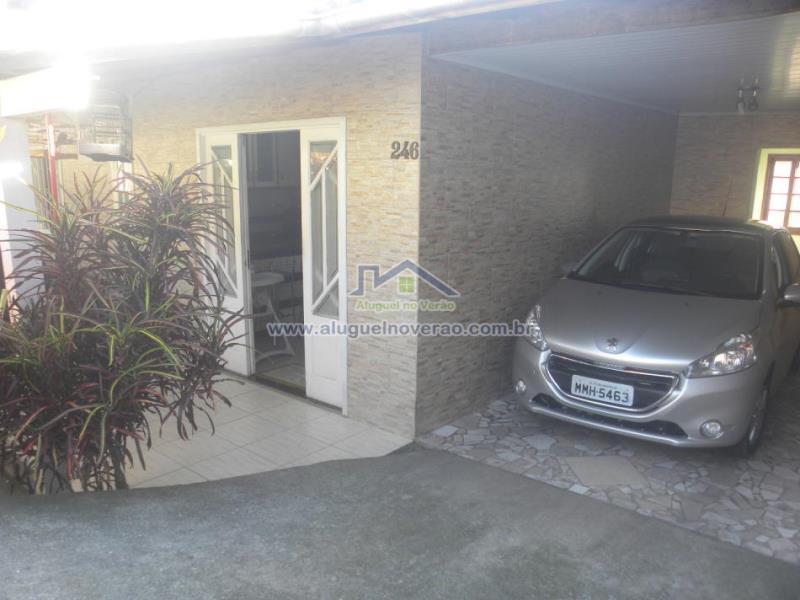 Casa Codigo 3052 para temporada no bairro Ponta das  Canas na cidade de Florianópolis Condominio