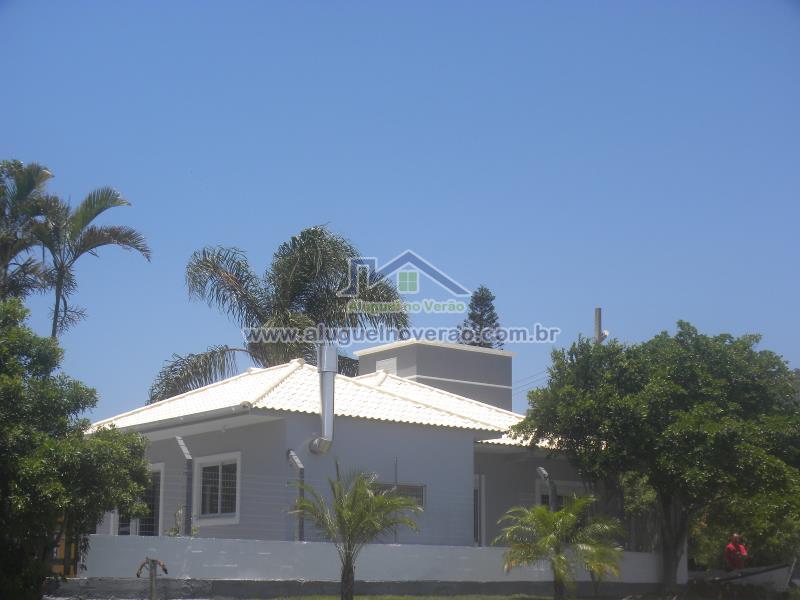 Casa Codigo 3055 para temporada no bairro Ponta das  Canas na cidade de Florianópolis Condominio