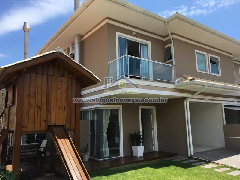 Casa Codigo 3056 para temporada no bairro Ponta das  Canas na cidade de Florianópolis Condominio