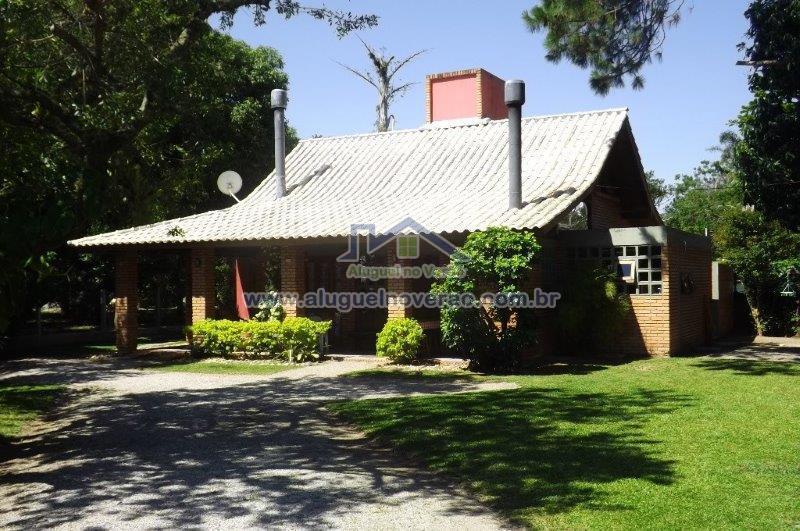 Casa Codigo 3057 a Venda  no bairro Ponta das  Canas na cidade de Florianópolis