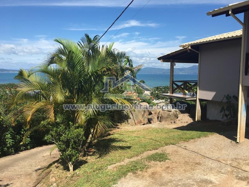 Casa Codigo 3059 para temporada no bairro Ponta das  Canas na cidade de Florianópolis Condominio