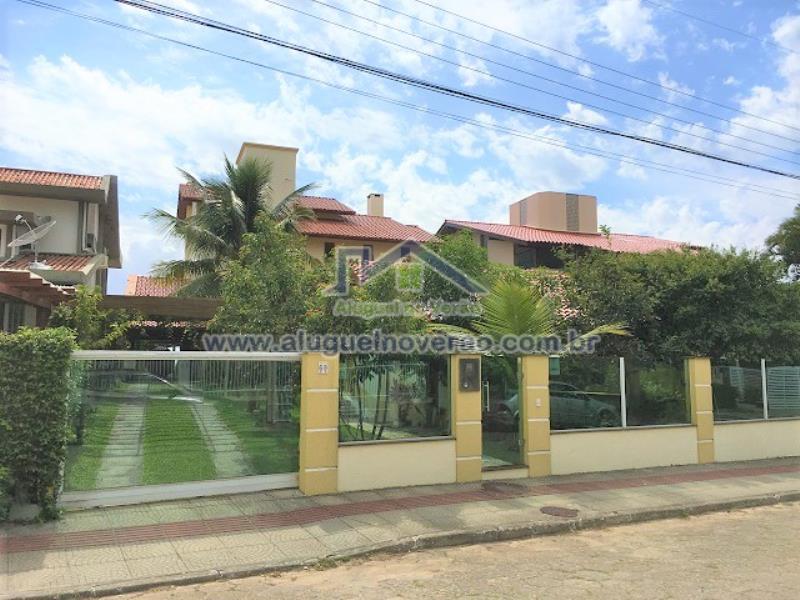 Casa Codigo 1010 para temporada no bairro Praia Brava na cidade de Florianópolis Condominio