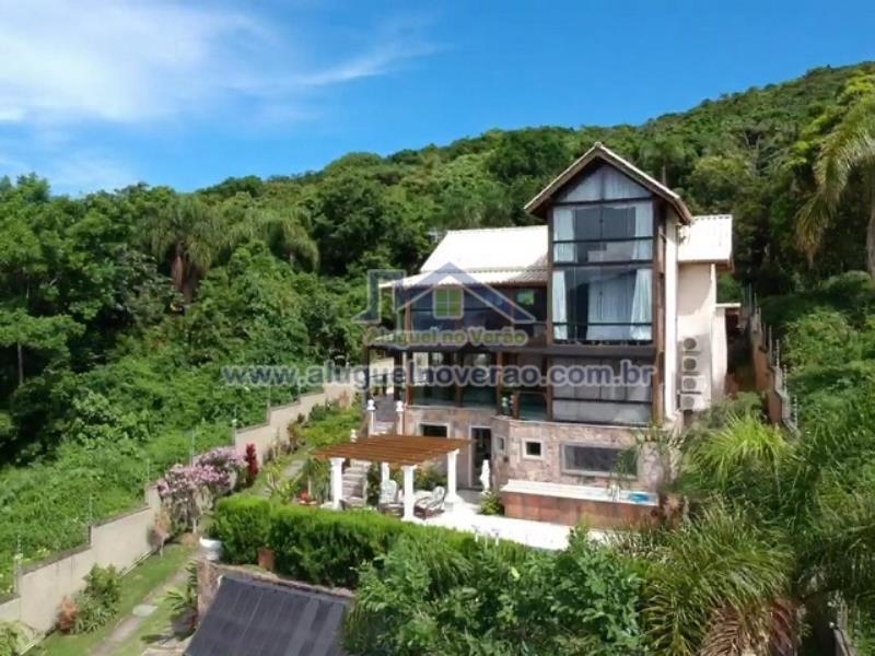 Casa Codigo 1011 no bairro Praia Brava na cidade de Florianópolis Condominio