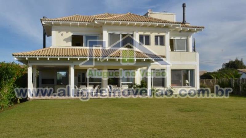 Casa Codigo 2000 para temporada no bairro Lagoinha na cidade de Florianópolis Condominio