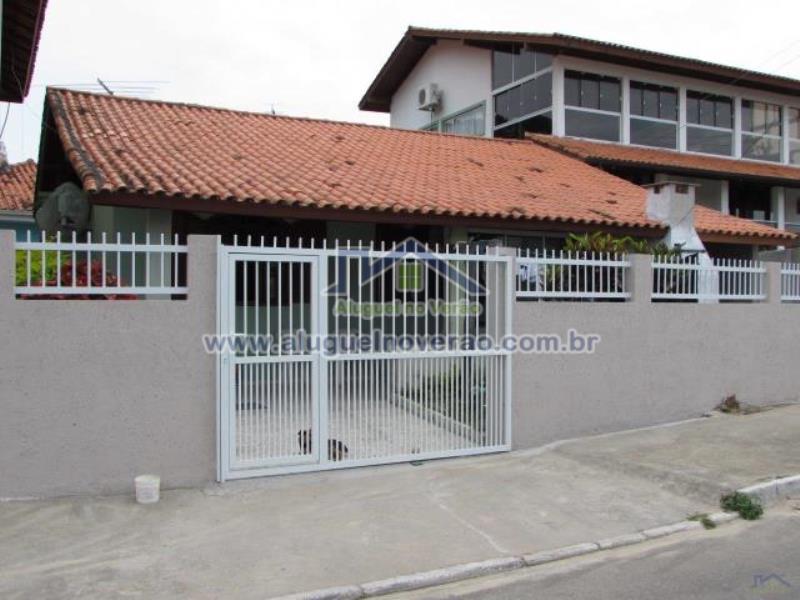 Casa Codigo 2005 para temporada no bairro Lagoinha na cidade de Florianópolis Condominio