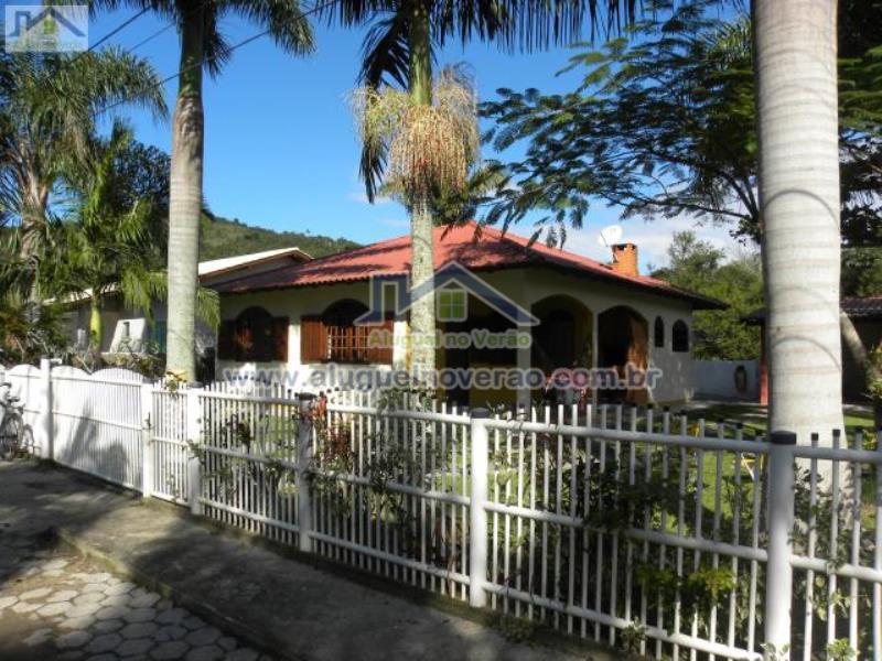 Casa Codigo 3000 para temporada no bairro Ponta das  Canas na cidade de Florianópolis Condominio
