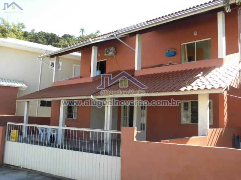 Casa Codigo 3005 para temporada no bairro Ponta das  Canas na cidade de Florianópolis Condominio