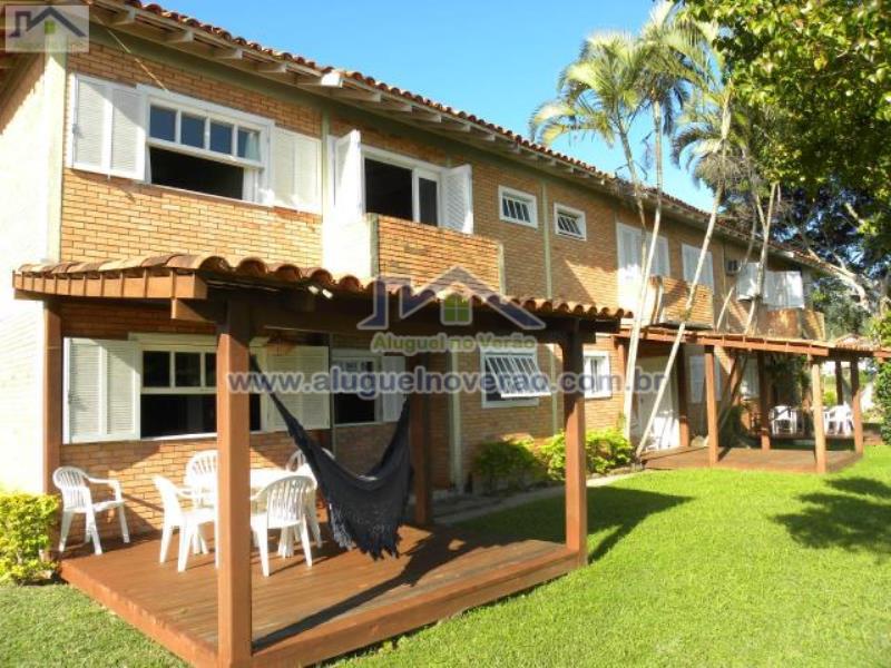 Casa Codigo 3008 para temporada no bairro Ponta das  Canas na cidade de Florianópolis Condominio