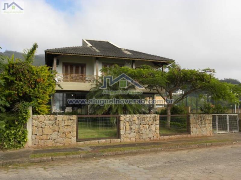 Casa Codigo 1001 para temporada no bairro Praia Brava na cidade de Florianópolis Condominio