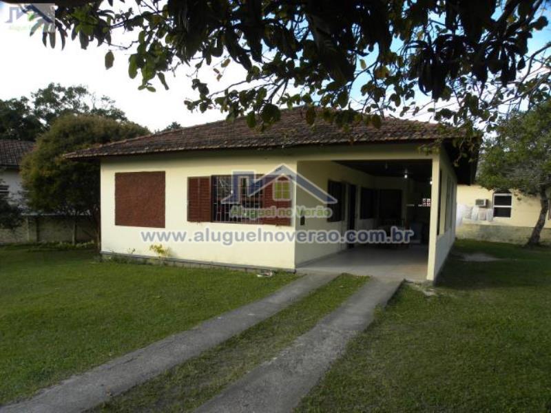 Casa Codigo 3018 para temporada no bairro Ponta das  Canas na cidade de Florianópolis Condominio