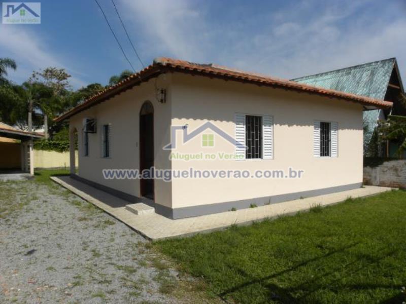 Casa Codigo 3021 para temporada no bairro Ponta das  Canas na cidade de Florianópolis Condominio