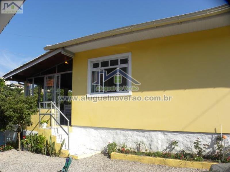 Casa Codigo 2029 para temporada no bairro Lagoinha na cidade de Florianópolis Condominio
