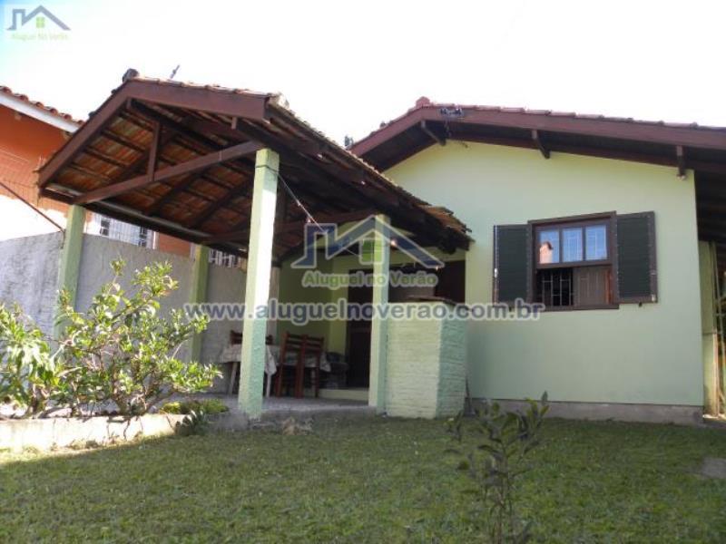 Casa Codigo 2034 para temporada no bairro Lagoinha na cidade de Florianópolis Condominio