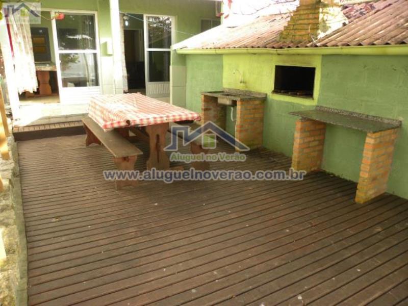 Casa Codigo 2037 para temporada no bairro Lagoinha na cidade de Florianópolis Condominio